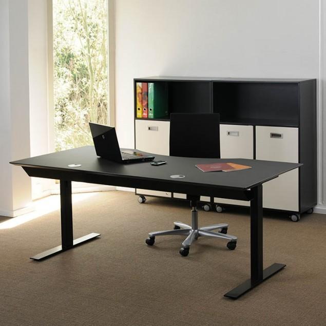 180x90 cm sort linoleum med bue. Elektrisk hæve sænkebord.