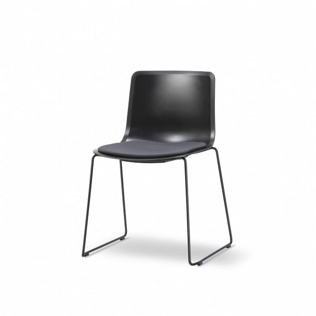 FREDERICIA PATO 4101 stol sort skal sædepolstring sort Fame medestel