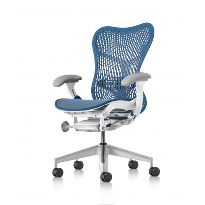 Herman Miller Mirra 2 kontorstol, triflex ryg og hvidt stel. Valg selv en flot kombination.